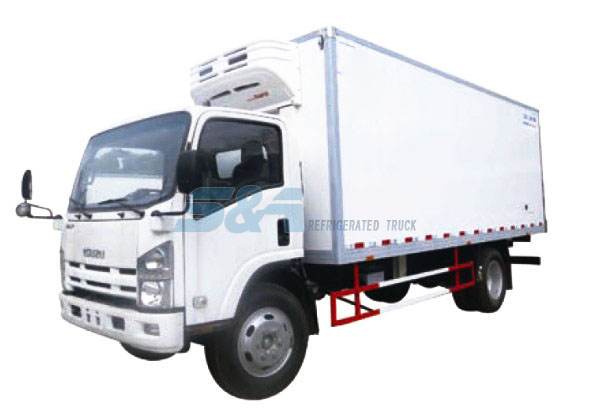 Isuzu 700P refrigerated truck