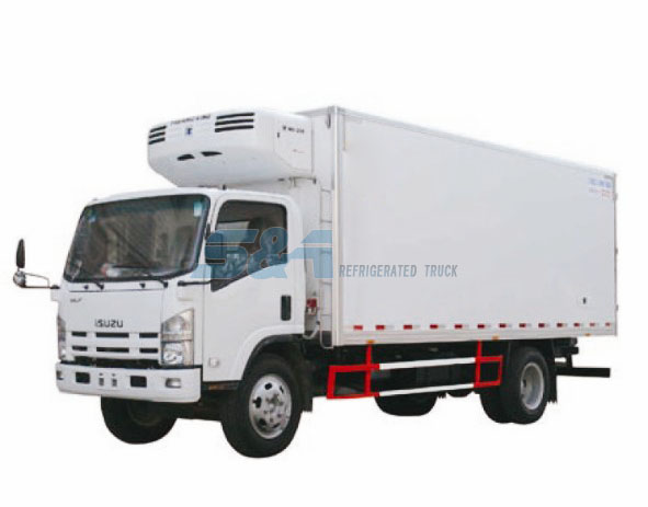 Isuzu 700P 23.7 cubic meters refrigerated truck