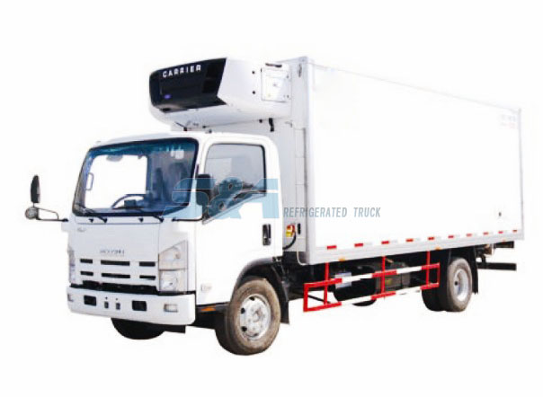 Isuzu 700P 30.5 to 34.4 cubic meters refrigerated truck
